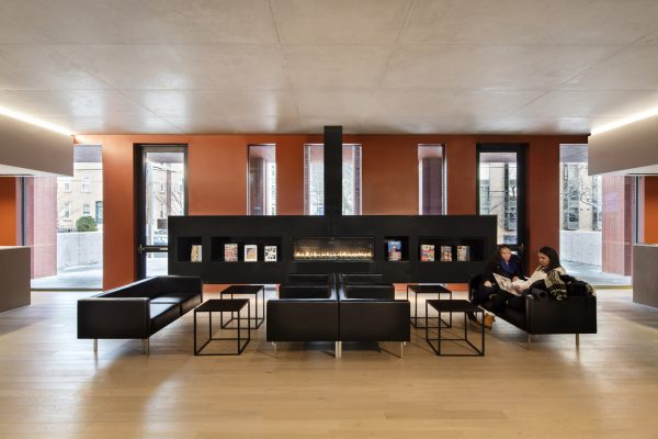 stanley-saitowitz-natoma-architects-inc-center-for-jewish-life-interior-4a